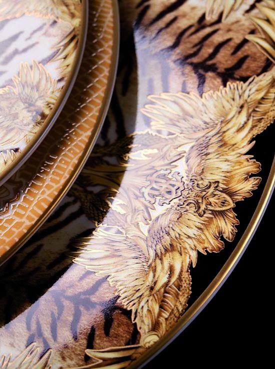 TIGER WINGS detail