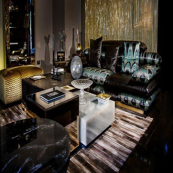 Template sofa showroom
