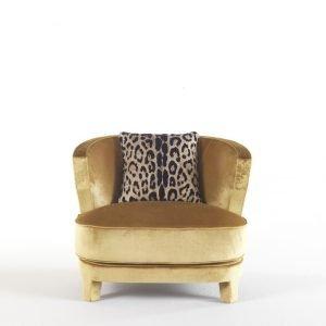 Nail chair